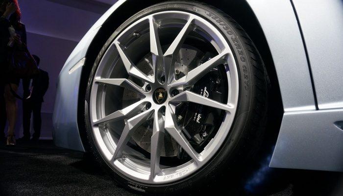 Секретки на колёса и номера