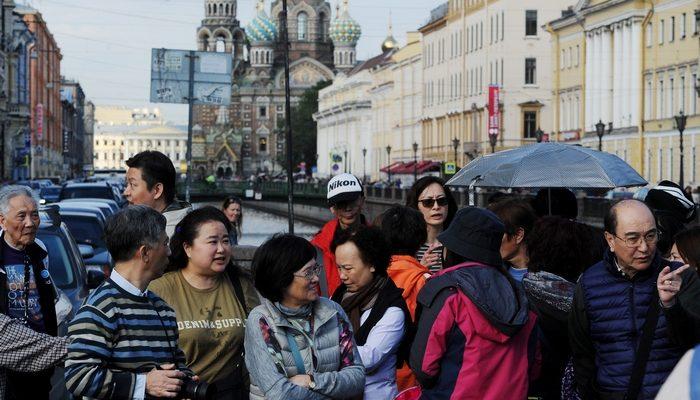 Россия и Китай изменили условия безвизовых групповых поездок