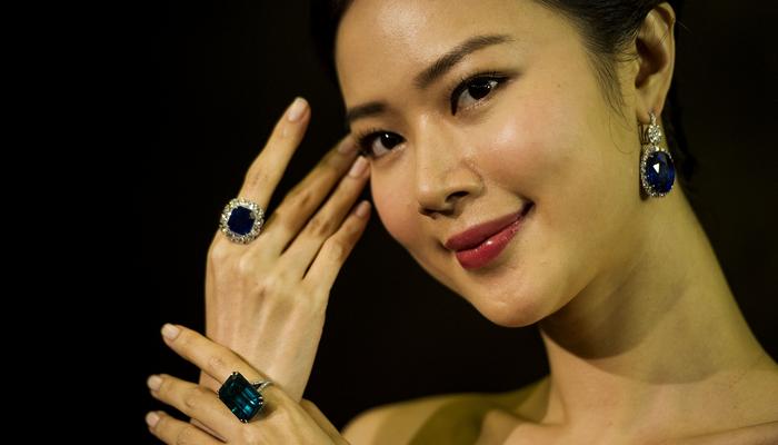 На торгах в Гонконге кольцо «Сокровище Кашмира» продано за $6,7 млн