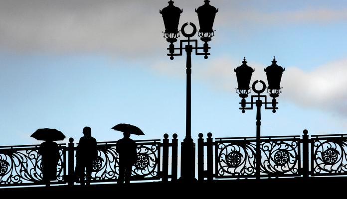 На 10 московских мостах появятся смотровые площадки с биноклями