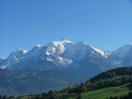 Самая высокая горы в Альпах Монблан. Фото: commons.wikimedia.org/Free Art License 1.3