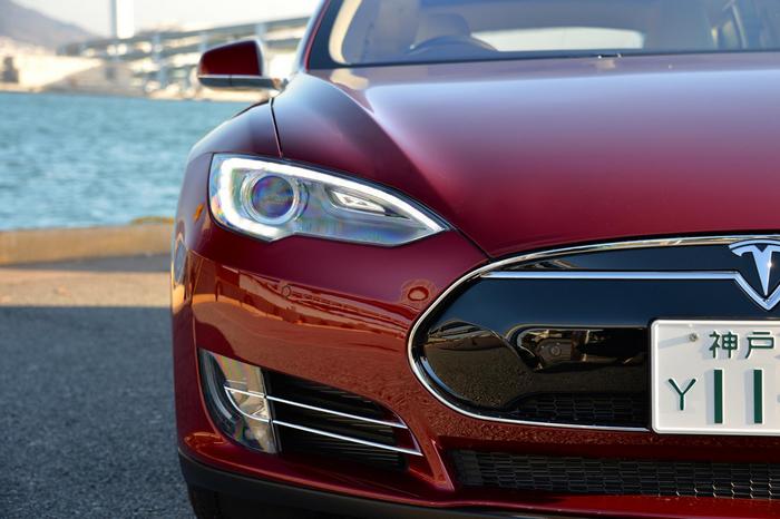 Lada Ellada, Tesla, Tesla Model S, электромобиль, автомобили, производство, Россия, промышленность, электроэнергия