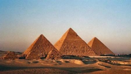 The-Pyramids-of-Giza