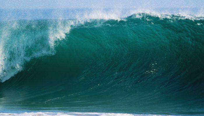 Каждые 8-9 часов в Мировом океане образуется волна-убийца