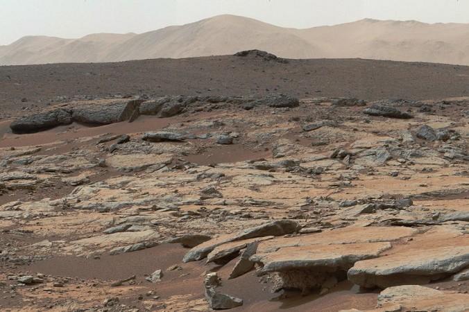 Вид на кратер Гейл. Фото: NASA/JPL-Caltech/MSSS