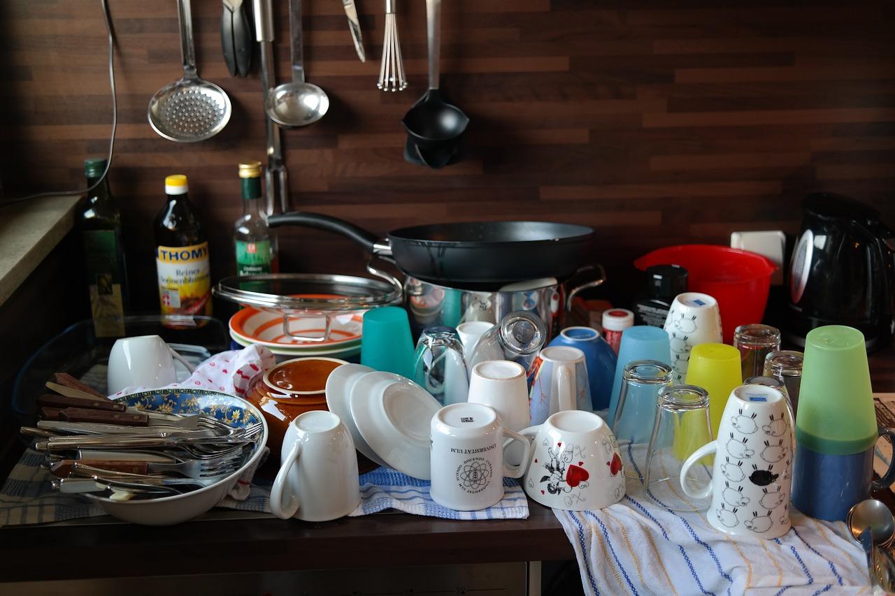 Открытки не мытая посуда, днем