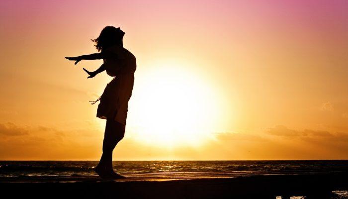 Самыми счастливыми в жизни человека назвали 20 и 80 лет