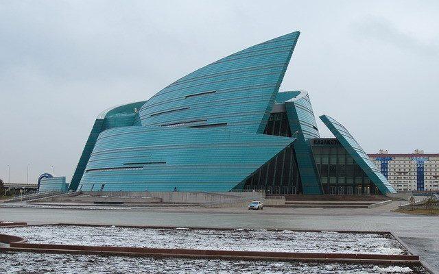 Астана — город в степи