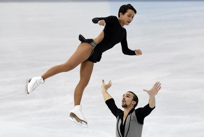 Ксения Столбова и Фёдор Климов. Фото: YURI KADOBNOV/AFP/Getty Images