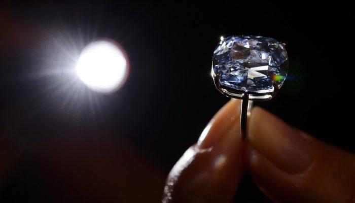 Спрос на бриллианты в Индии медленно продолжает расти