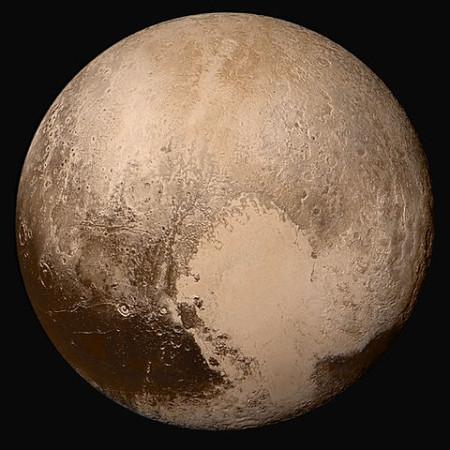 Плутон. Мозаика снимков, полученных автоматической межпланетной станцией New Horizons 14 июля 2015 года с расстояния 450 000 км. Фото: NASA