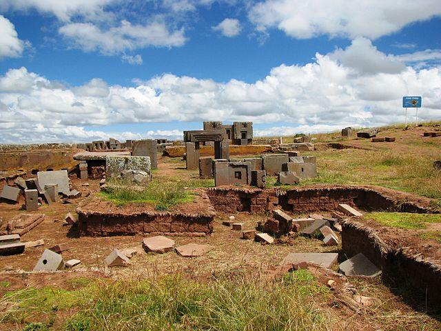 Древний город Тиауанако: духовный и политический центр доиспанской индейской культуры