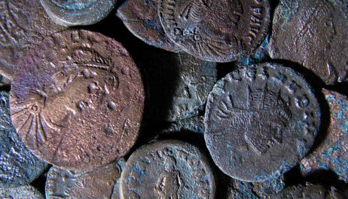 Большие амфоры с древними римскими монетами нашли в испанском городе Томарес
