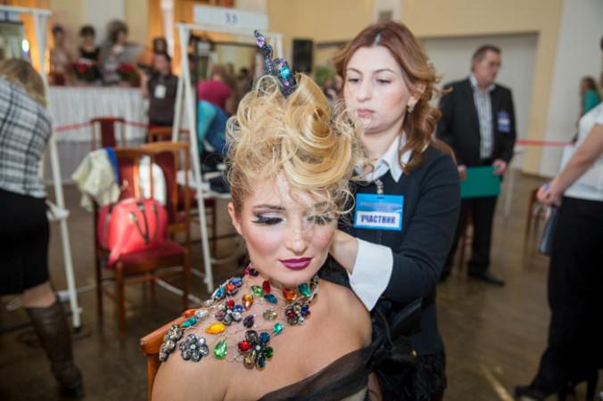 Чемпионат по парикмахерскому искусству в Рязани расширяет границы мастерства