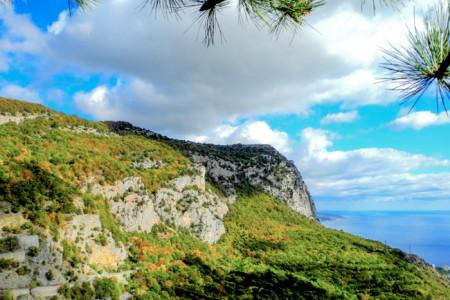 Крымские горы — вид с площадки Форосского храма. Фото: Алла Лавриненко/Великая Эпоха