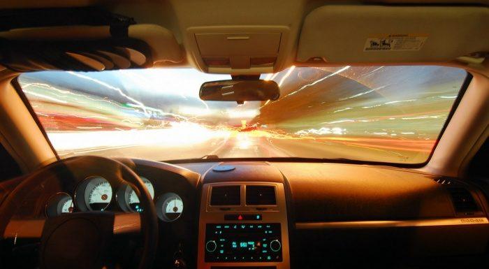 Особенности монтажа современных автомобильных стекол