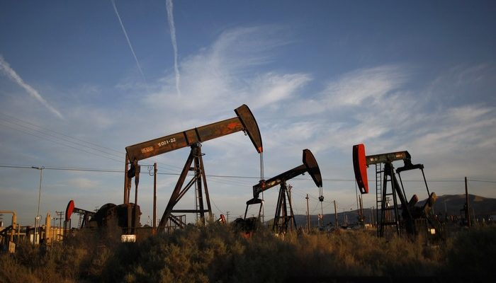 Эксперты прогнозируют дальнейшее падение цен на нефть