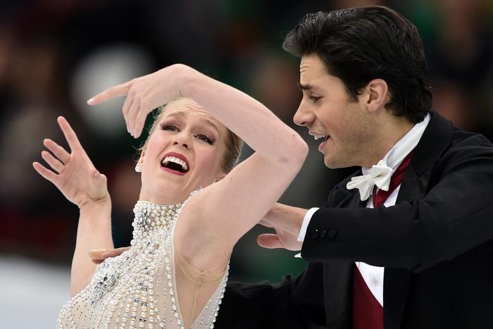 Кейтлин Уивер и Эндрю Поже. Фото: KIRILL KUDRYAVTSEV/AFP/Getty Images