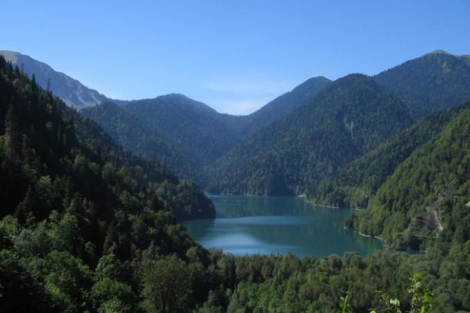 Озеро Рица. Фото: Львёна/ru.wikipedia.org/CC BY-SA 2.5