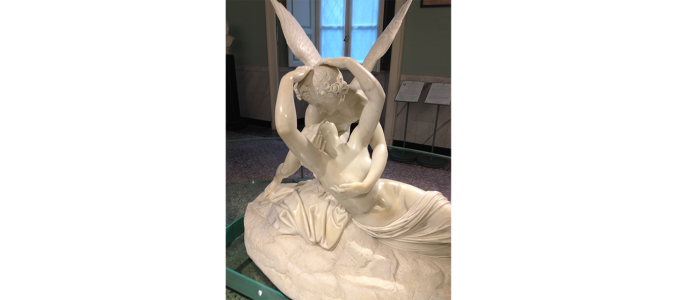 Статуя Амура и Психеи на вилле Карлотта. Фото: Carol Stigger