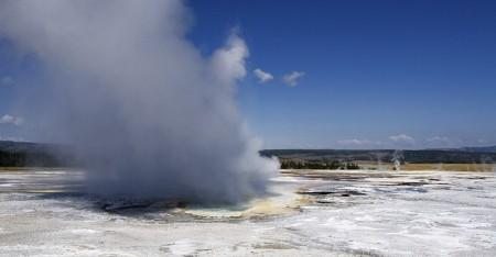 Геотермическая активность в Йеллоустоунском национальном парке. Фото: pixabay.com/CC0 Public Domain