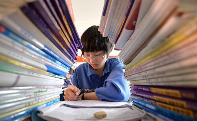 Самоубийства школьников обнажают недостатки китайской системы образования