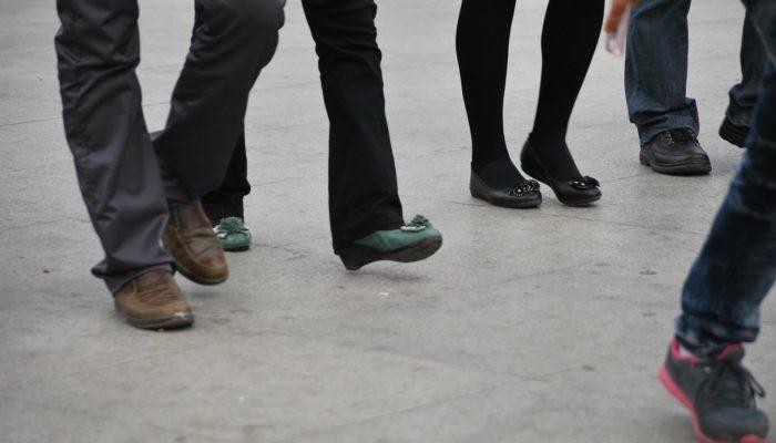 Синхронная ходьба дисциплинирует японских студентов (видео)