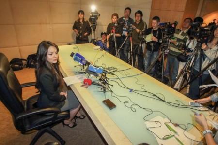 «Мисс Канада» выступает на пресс-конференции в Гонконге 27 ноября 2015 г. Фото: Pun Choi Shu/Epoch Times