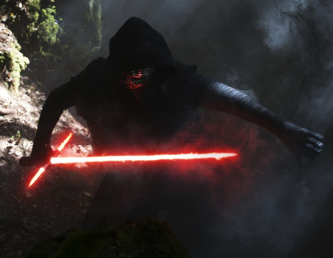 Злой Кайло Рен (Адам Драйвер). Фото: David James/Lucasfilm Ltd./Walt Disney Studios Motion Pictures