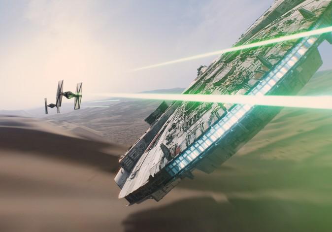 Рей управляет «Соколом тысячелетия». Фото: Lucasfilm Ltd./Walt Disney Studios Motion Pictures