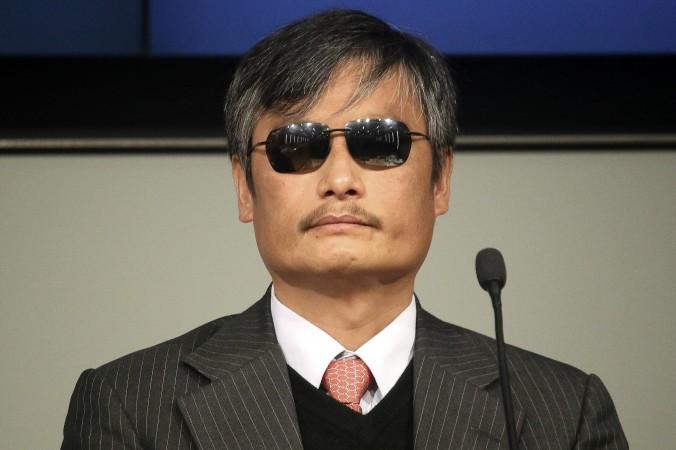 Чэнь Гуанчэн ― слепой правозащитник, который известен разоблачением насильственных абортов и стерилизаций китайскими органами по планированию семьи. Фото: Gary Feuerberg/ Epoch Times