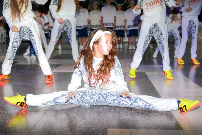 Молодёжный предновогодний праздник прошёл в здании морвокзала в Новороссийске. Фото: Андрей Михайловский/Великая Эпоха