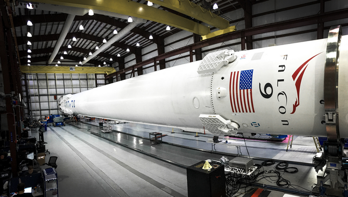 Falcon 9, США, SpaceX, Элон Маск, Dragon, спутник, ракета-носитель