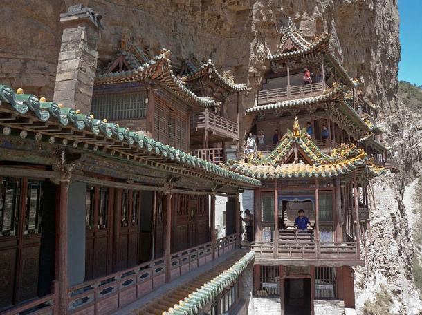Висячий монастырь