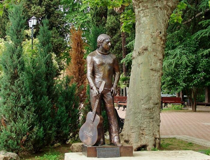 Памятник Высоцкому в Сочи. Фото: GvozdevN/wikipedia.org/CC BY-SA 4.0