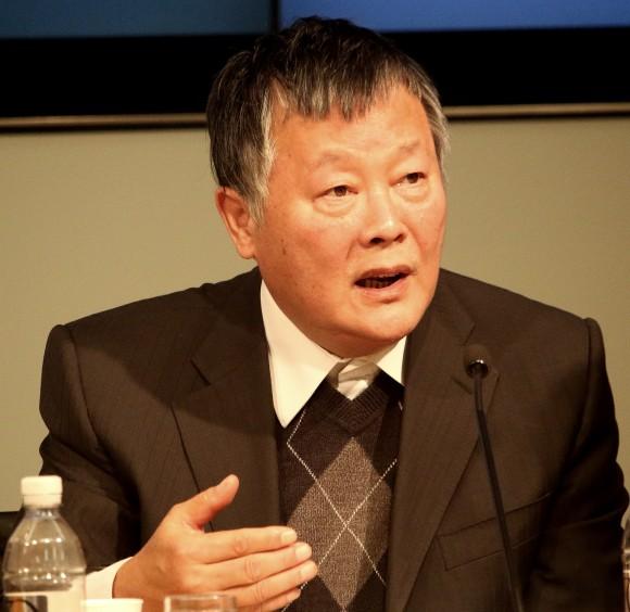 Китайский диссидент Вэй Цзиншэн выступил на форуме «Ухудшение ситуации с правами человека в Китае» в Институте Катона. Вэй провёл в китайской тюрьме 18 лет. Он один из самых известных правозащитников в Китае. Фото: Gary Feuerberg/ Epoch Times