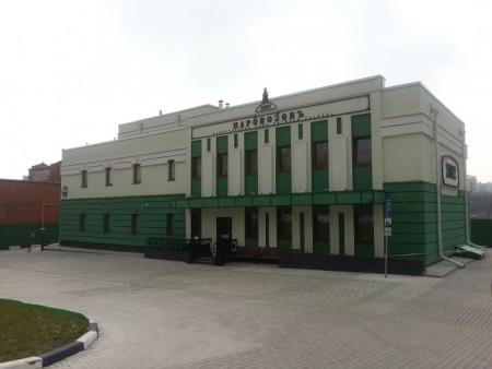 «Паровозовъ» — общественные бани высшего разряда в Новосибирске. Фото: Rev-r/ru.wikipedia.org/CC BY-SA 3.0