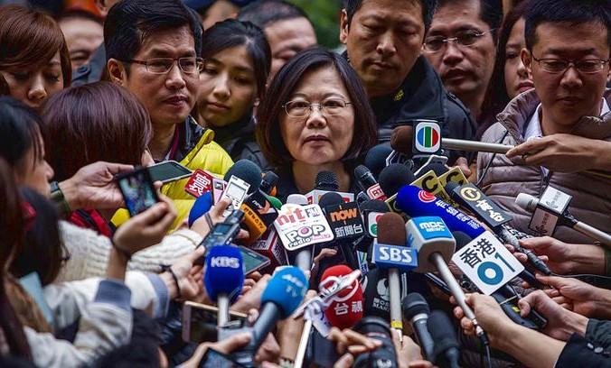 политику Си обсуждают сми