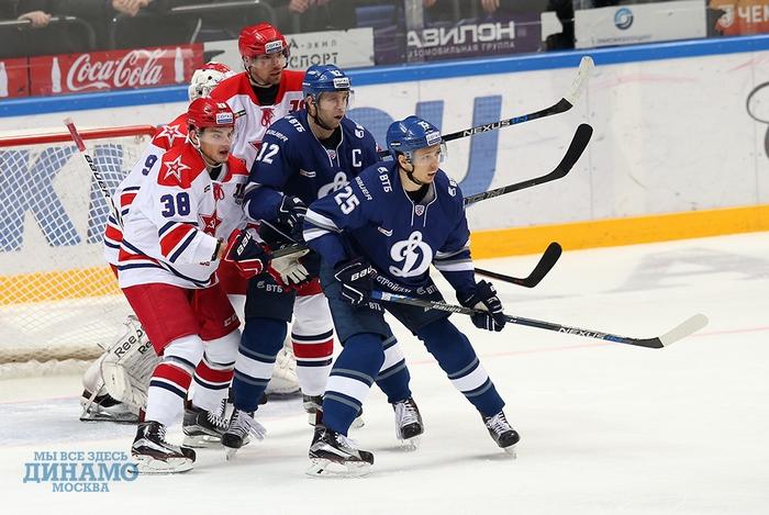 хоккеисты ЦСКА и Динамо