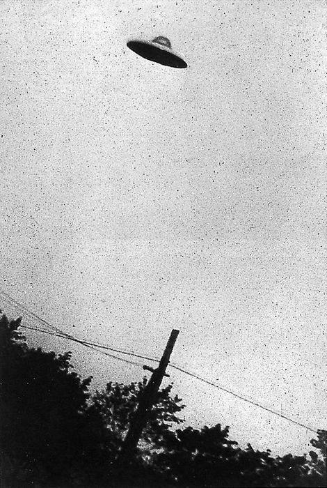 НЛО, якобы наблюдавшийся в Нью-Джерси, в 1952 году (доказанная подделка). Из архивов ЦРУ. Фото: George Stock/wikipedia.org/ public domain