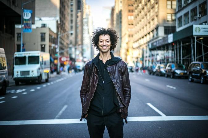 Барабанщик Захари Алфорд в Нью-Йорке, 10 декабря 2015 г. Фото: Benjamin Chasteen/Epoch Times