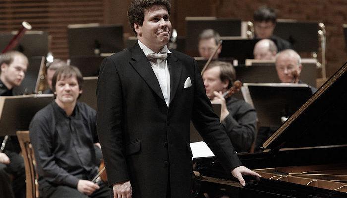 Российский пианист-виртуоз Денис Мацуев покорил Нью-Йорк (видео)