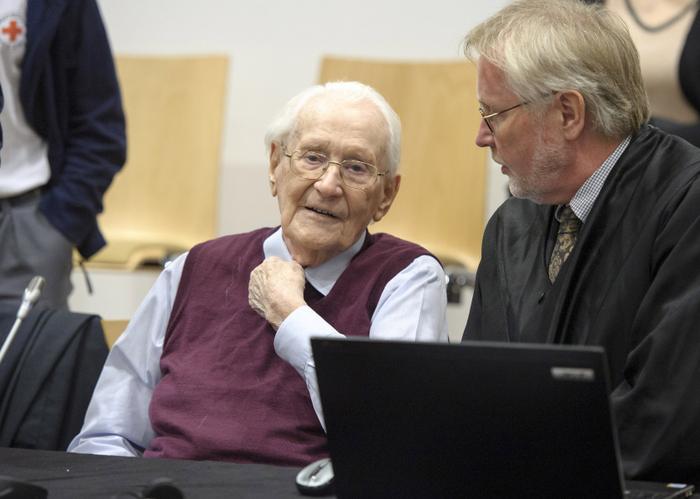 Оскар Гренинг в суде. Фото: Hans-Jurgen Wege - Pool/Getty Images