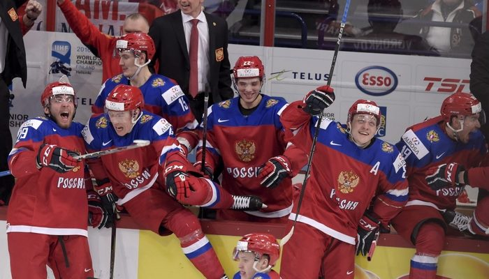 Вишневский вторую неделю подряд удерживает титул лучшего защитника КХЛ