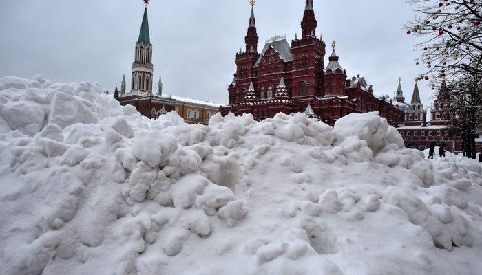Из-за снегопада в Москве отменены авиарейсы