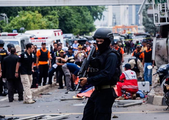 серии взрывов в Джакарте