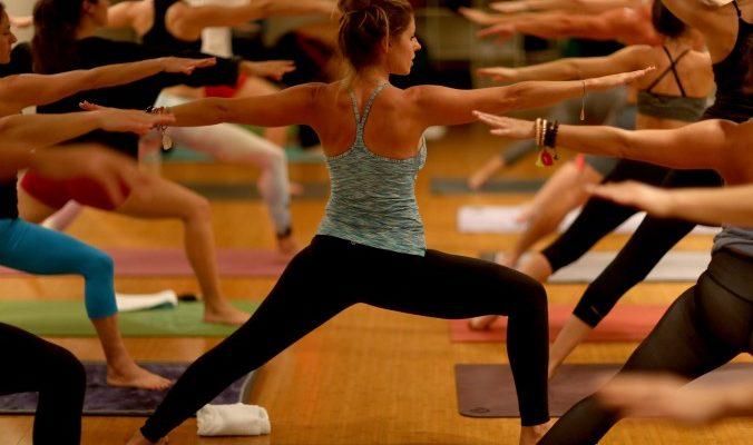 Йога в гамаке — это как?