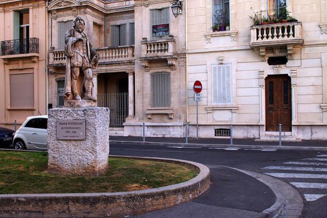 Памятник Нострадамусу в Салон-де-Провансе, Франция. Фото: Wikipedia Commons