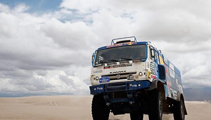Экипаж Николаева лидировал среди грузовиков на 11-м этапе «Дакара»
