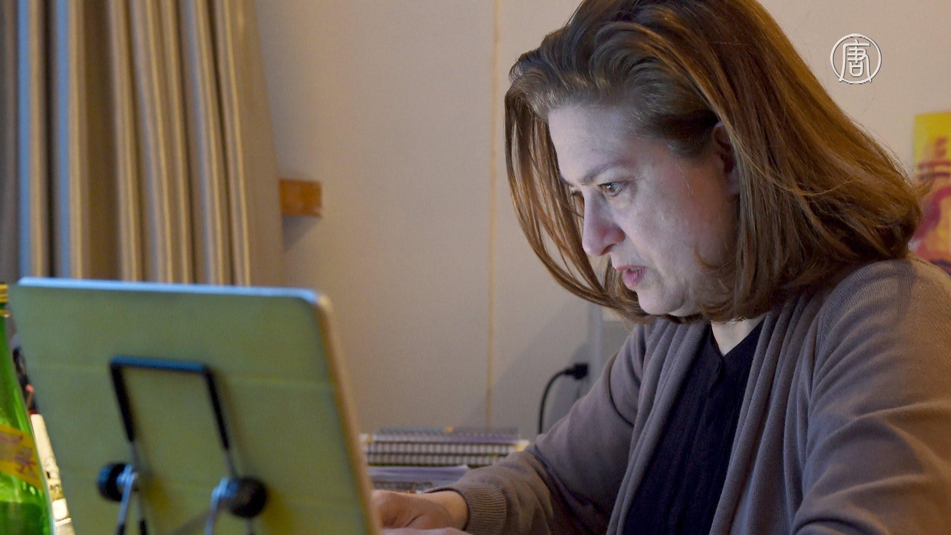 Французская журналистка Урсула Готье. Скриншот видео.